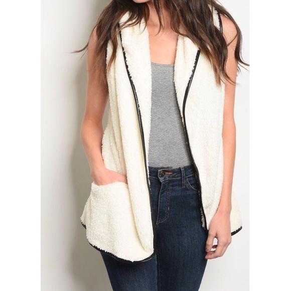 For The Pretty Girls Jackets & Blazers - Ivory Sherpa Fur Vest
